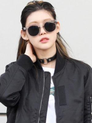 collar choker de cuero color negro con aro plateado