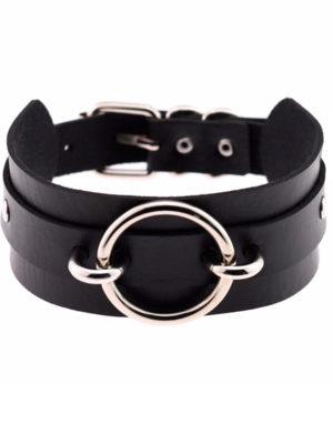 Collar choker negro ancho estilo kawaii con aro metálico pegado al cuello