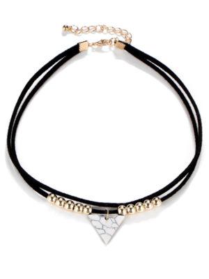collar con colgante triangulo