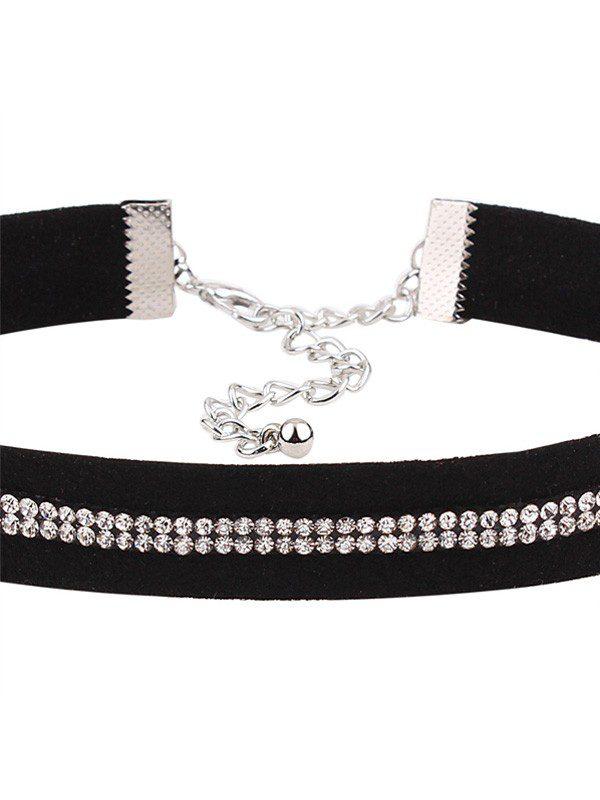 gargantilla de terciopelo negra con diamantes